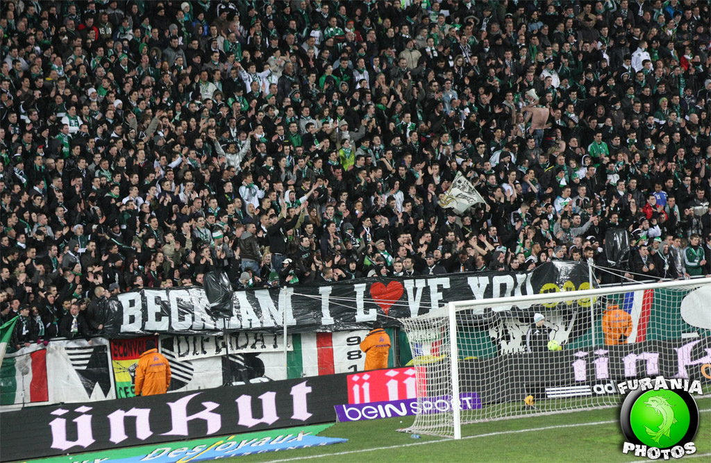 LOLZ!!! St Etienne fans Troll David Beckham